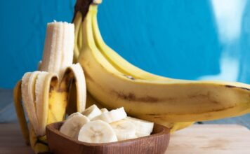 Aprovecha todos los beneficios del plátano, la fruta de los sabios